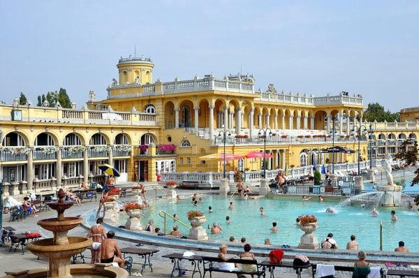 Купальни Сеченьи в Будапеште